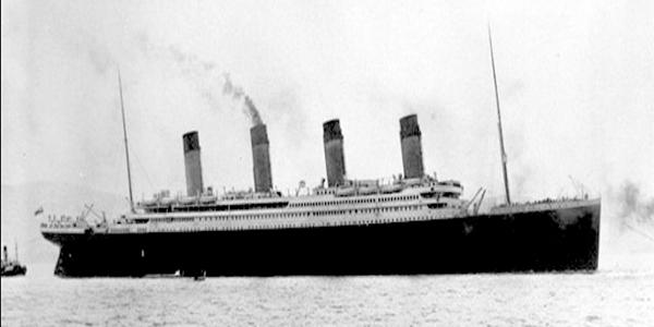 السفينة British Luxury Liner RMS Titanic أشهر السفن