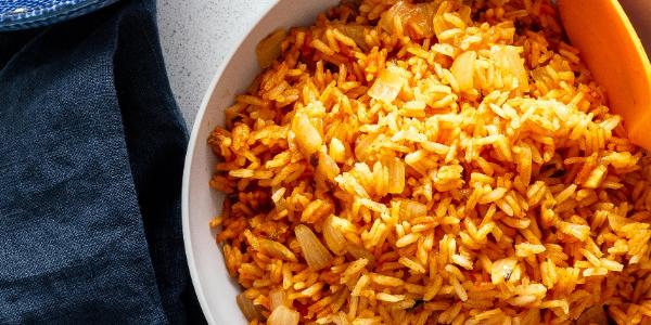 الأرز المكسيكي وصفة سهلة التحضير للعشاء