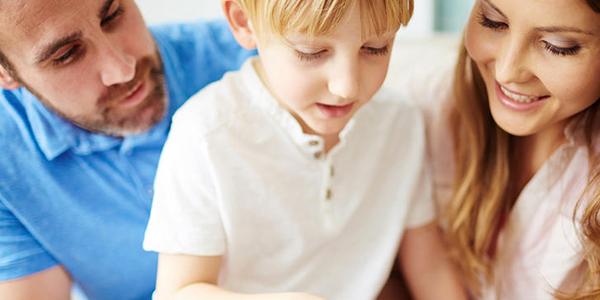 الإشباع العاطفي للطفل