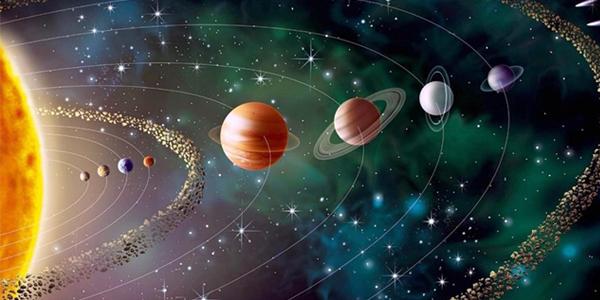 حجم كوكب زحل وبعده عن الأرض