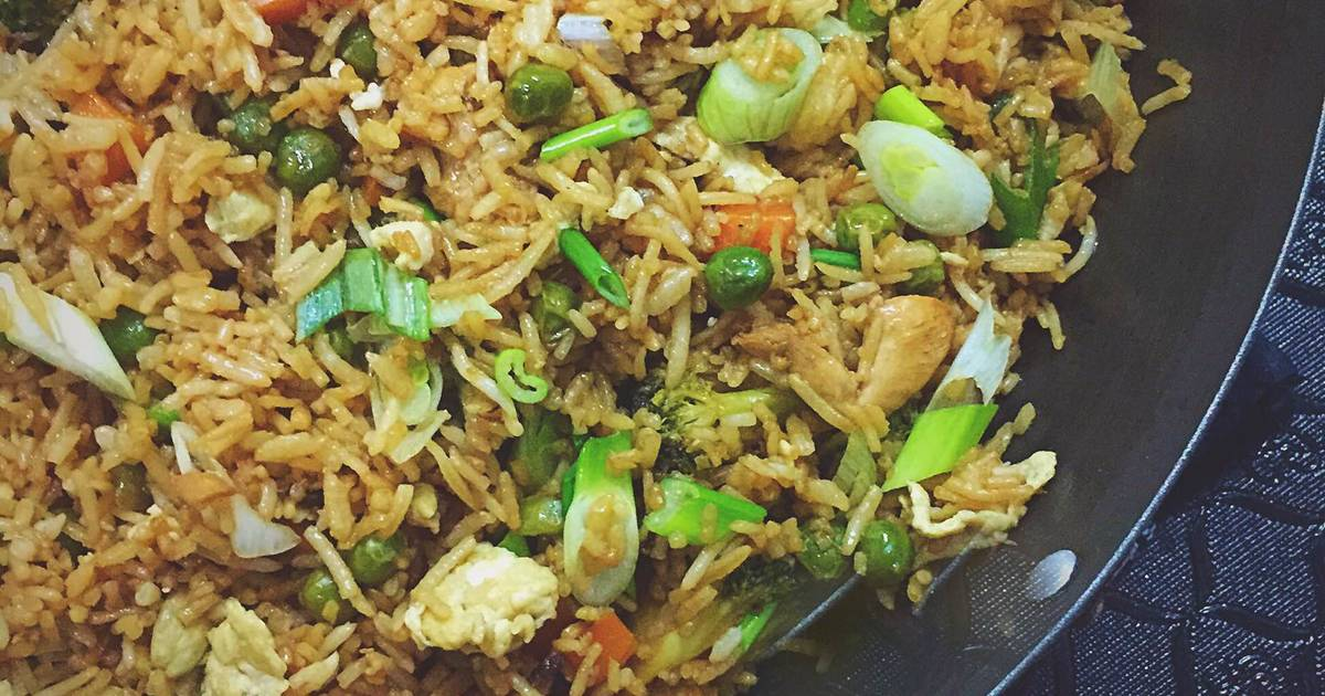 الأرز المقلي بالدجاج