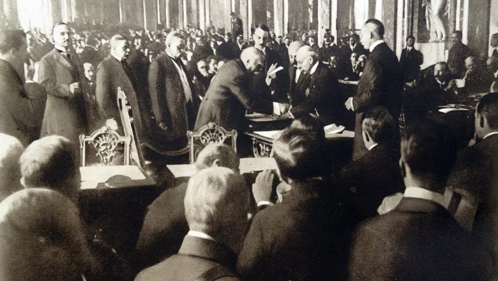 ما الذي اتفق عليه في معاهدة فرساي