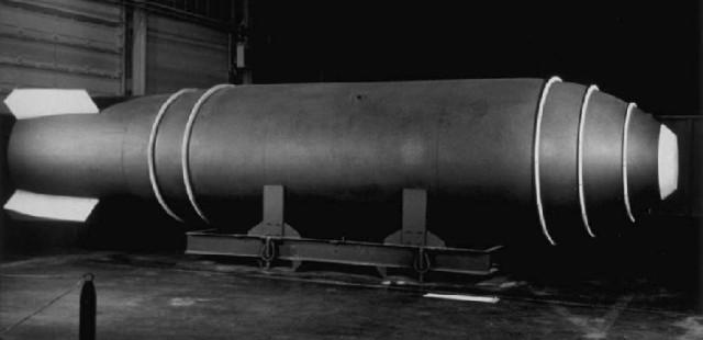 القنبلة الذرية والقنبلة الهيدروجينية