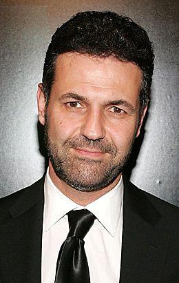 الكاتب خالد حسيني