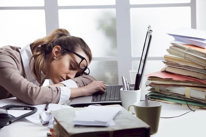 أسباب التعب والخمول وتأثيره على الجسم